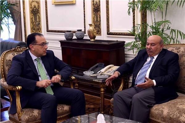 رئيس الوزراء يلتقى السفير الكويتى بالقاهرة