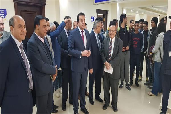 وزير التعليم العالي يتفقد جامعة القاهرة الجديدة التكنولوجية