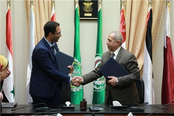 الأكاديميىة العربية للعلوم والتكنولوجيا والنقل البحري توقع اتفاقية جديدة