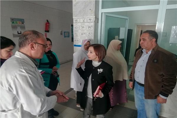 نائب محافظ الاسكندرية تحيل 94 طبيبا للتحقيق لتغيبهم عن العمل