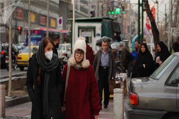 ترقب في شوارع إيران بعد تفشي الإصابات بكورونا