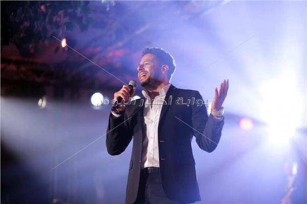 محمد حماقي خلال الحفل