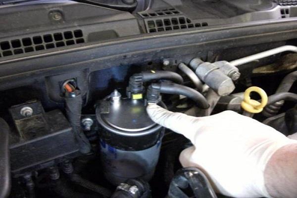 علامات تلف فلتر البنزين في سيارتك