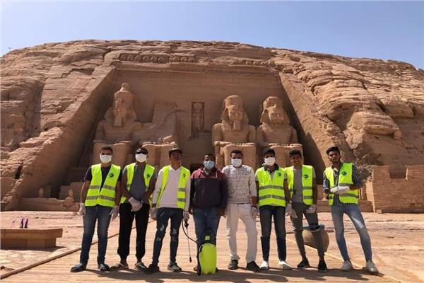 تعقيم و تطهير المناطق الأثرية في صعيد مصر