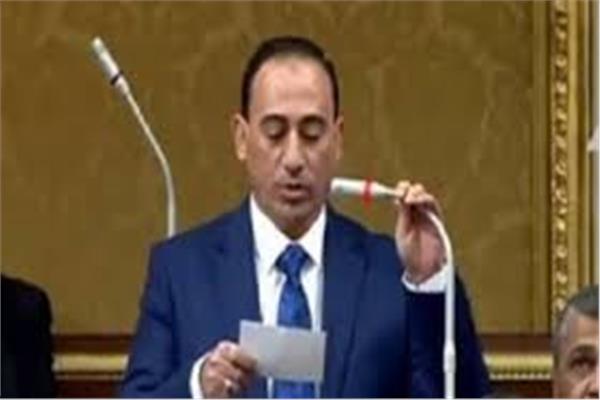 النائب محمد عبد الله زين الدين وكيل لجنة النقل والمواصلات
