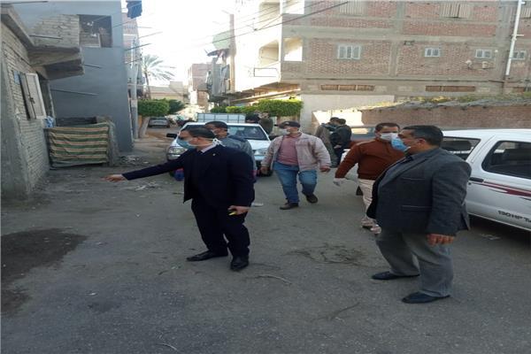 نائب محافظ دمياط يتابع تطهير قري فارسكور