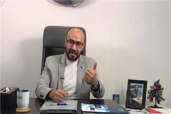 الدكتور محمود الأنصاري