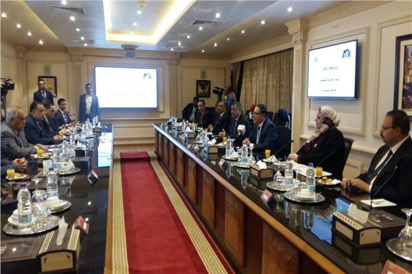 تعاون بين جامعة بنها والعربية للتصنيع