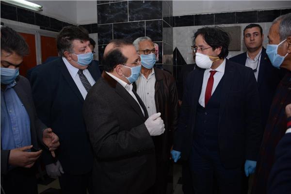 رئيس جامعة طنطا : التوسع فى خطوط انتاج الكمامات الطبية المعقمة لتغطية احتياجات المستشفيات بالغربية .