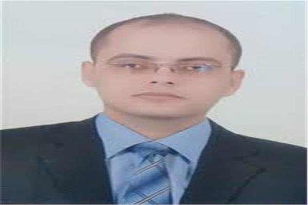 الخبير بأسواق المال  سيد أبو حليمة