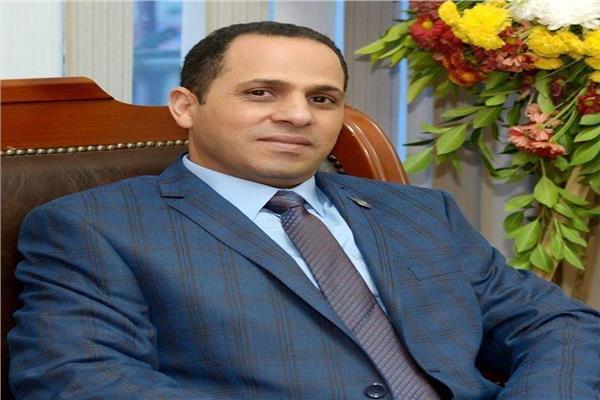 الدكتور عبيد صالح، رئيس جامعة دمنهور وأستاذ الرقابة الصحية على الأغذية