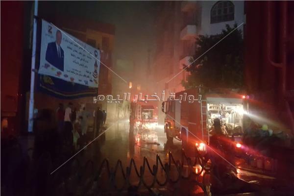اخلاء المنازل الملاصقة لحريق مخزن الزيوت بشارع البحر الأعظم
