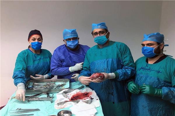 صورة للطاقم الطبي