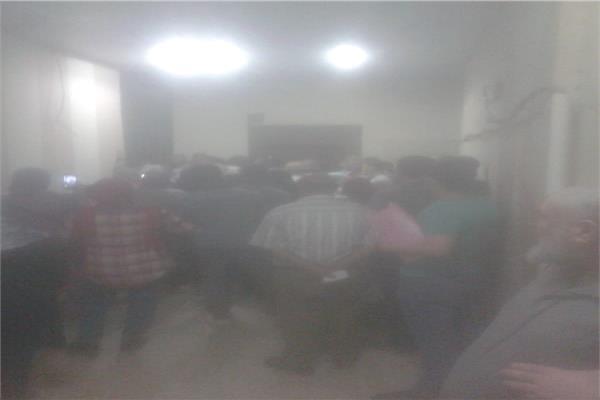 """تكدس المواطنين في مكتب """"تأمينات المنتزة"""""""