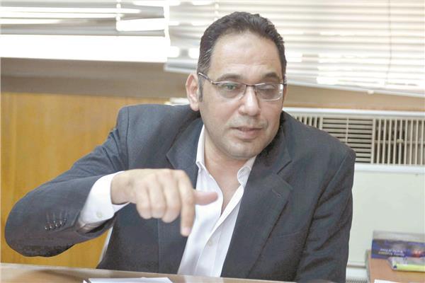 د.إيهاب عطية المدير العام للإدارة العامة لمكافحة العدوى بوزارة الصحة