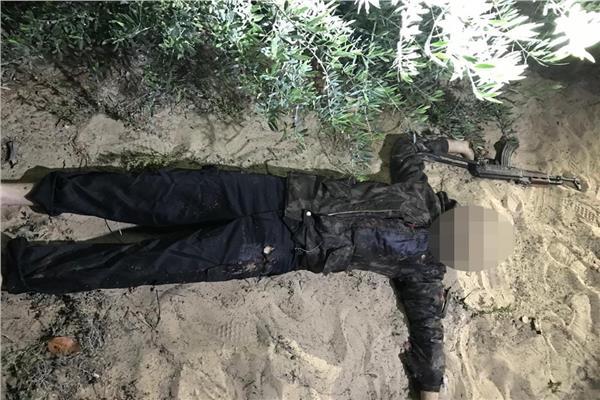 أحد الإرهابيين بعد مقتله