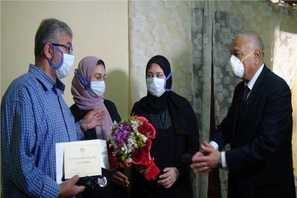 اسرة الممرضة صفاء محمد