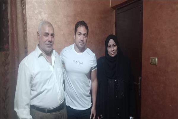 الفنان محمد حمدى مع أسرة خالد مغربى