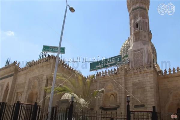 مسجد السيدة زينب في أول أيام العيد