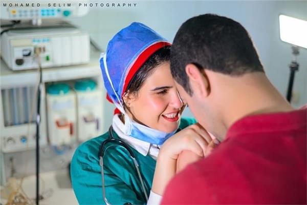 صورة تجمع الطبيبة والمريض في «سيشن الغرام»