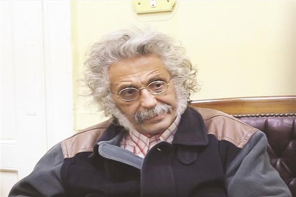 د.حسين خيرى نقيب الأطباء