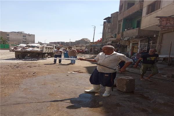 تعقيم وتطهير المنطقة المحيطة بمستشفي ٧٥٣٧٥