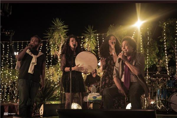 الكينج يتألق بألمع الأغاني للشعب المصري