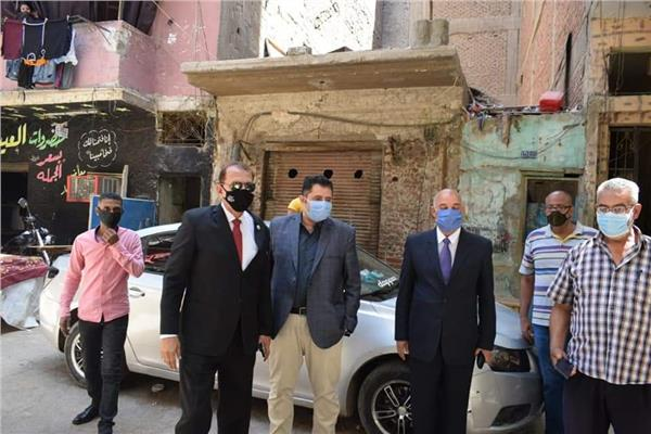 نائب محافظ القاهرة يتابع أعمال تعقيم حي الشرابية