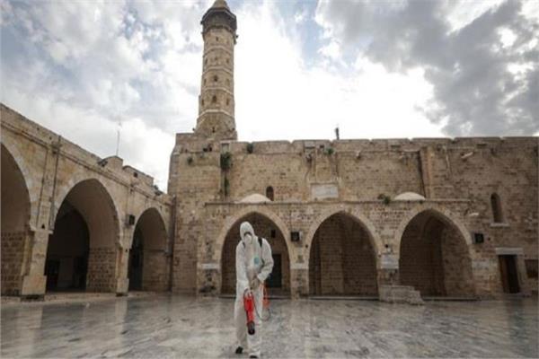 أوقاف غزة تقرر فتح المساجد
