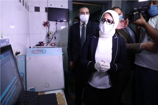 وزيرة الصحة خلال جولتها الميدانية بـ 5 مستشفيات
