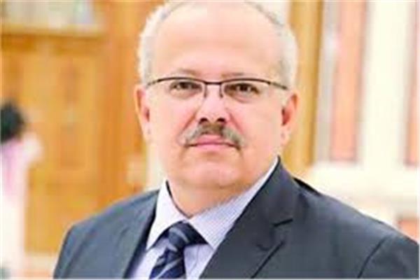 رئيس جامعة القاهرة الدكتور محمد عثمان