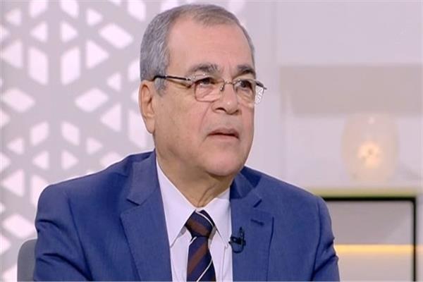الدكتور مدحت يوسف نائب رئيس هيئة البترول الأسبق