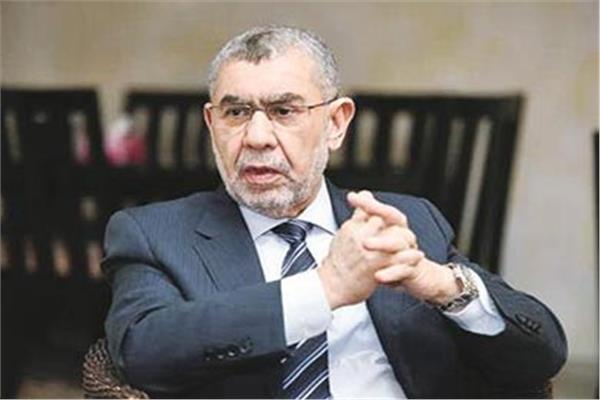 الدكتور أحمد العزبى رئيس غرفة صناعة الأدوية