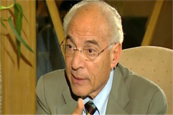 العالم المصري الكبير د. فاروق الباز