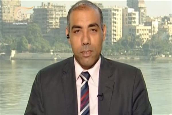 الدكتور أيمن سمير المتخصص في العلاقات الدولية