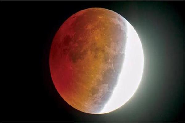نصف القمر