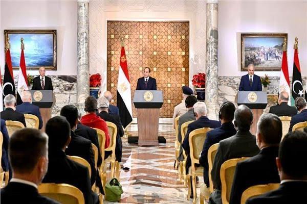 الرئيس عبد الفتاح السيسي وعقيلة صالح وخليفة حفتر