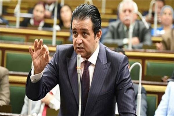 علاء عابد