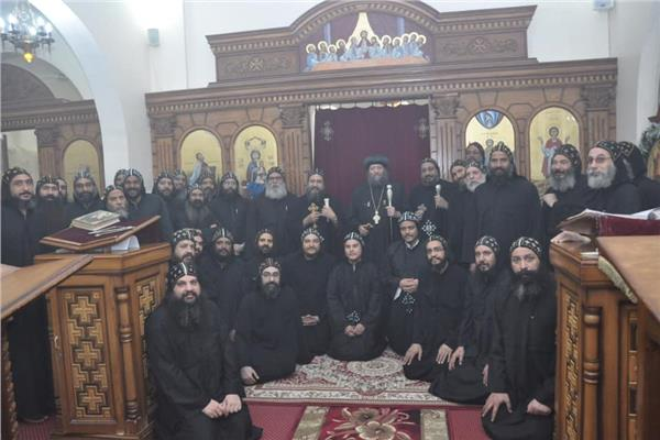 رسامة راهبان جديدان لدير الشهيد مارمينا بجبل أبنوب