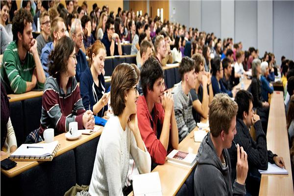 الطلاب في الجامعات
