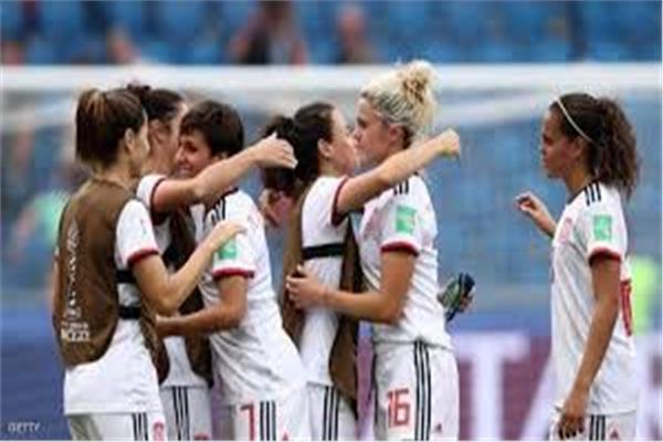ريال مدريد يعلن تأسيس فريق للكرة النسائية