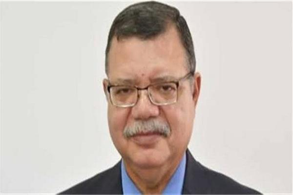 حمدي عبد العزيز، المتحدث باسم وزارة البترول