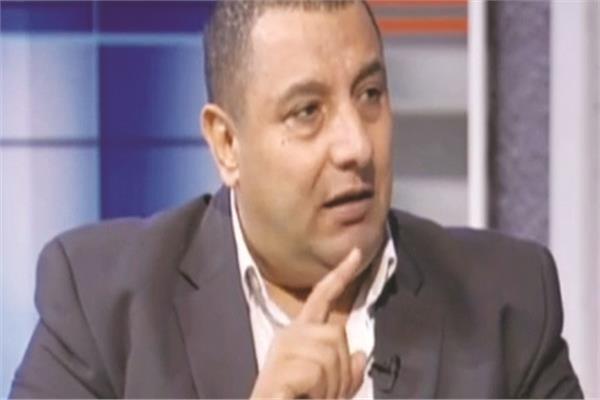 عاطف عبدالغني رئيس تحرير دار المعارف