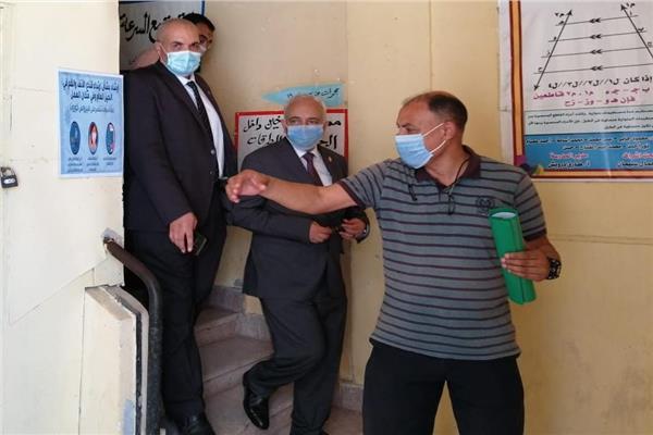 نائب وزير التربية والتعليم يتفقد العمل في لجان سير النظام والمراقبة بالإسكندرية