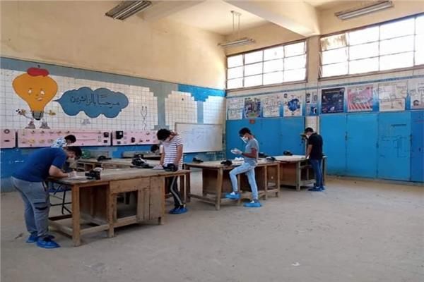 172 ألف و525 طالب وطالبة يؤدون امتحانات الدبلومات الفنية العملية