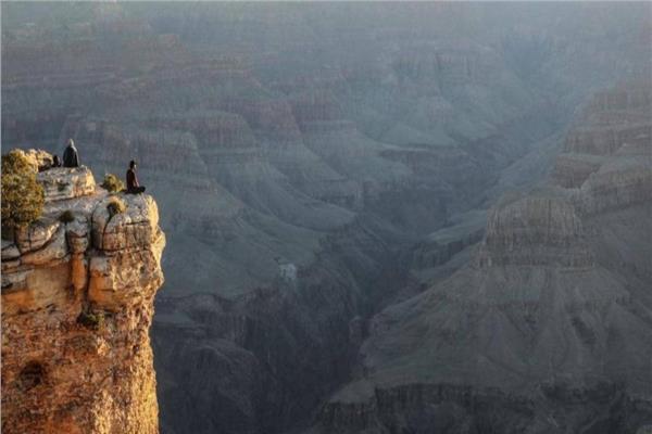 بسبب صورة.. سيدة تلقى حتفها من ارتفاع 30 متر