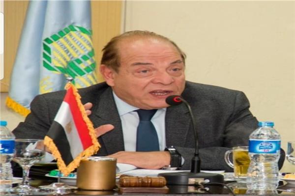 الدكتور سمير عارف رئيس مجلس إدارة جمعية مستثمرى العاشر