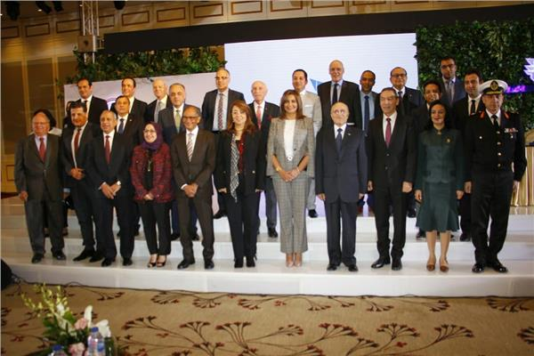 وزارة الهجرة سلسلة مؤتمرات  مصر تستطيع