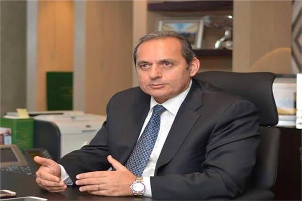هشام عكاشه رئيس مجلس إدارة البنك الأهلي