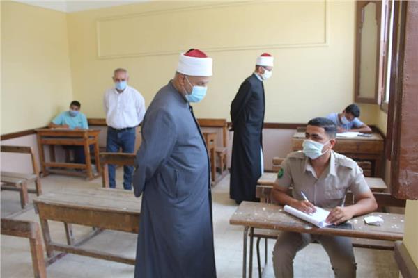   وكيل الأزهر ونائب رئيس جامعة الأزهر يتفقدان لجان الثانوية الأزهرية بالغربية